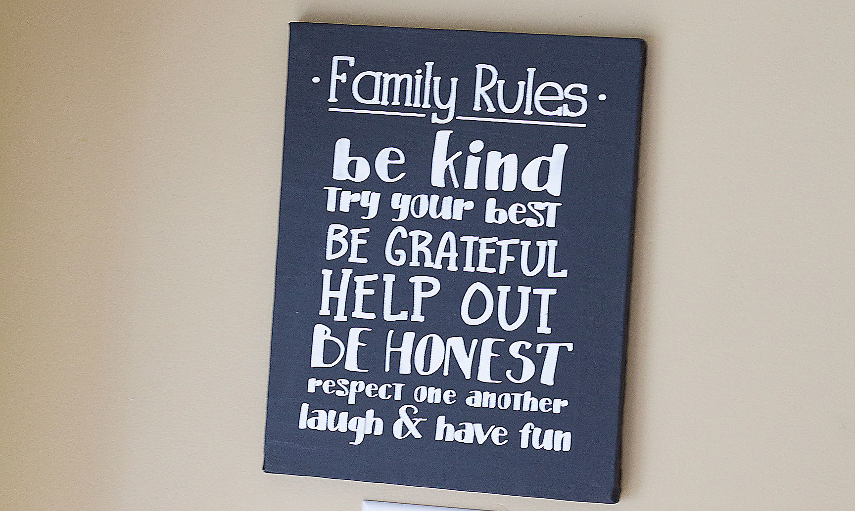 How to Make a Chalkboard Family Rules Sign Using a Cutting Machine DIY